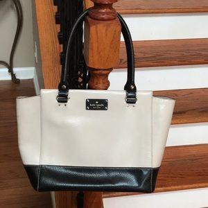 Sale!♠️Kate Spade Wellesley Camryn leather tote♠️